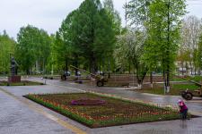 kalashnikov-public-garden-